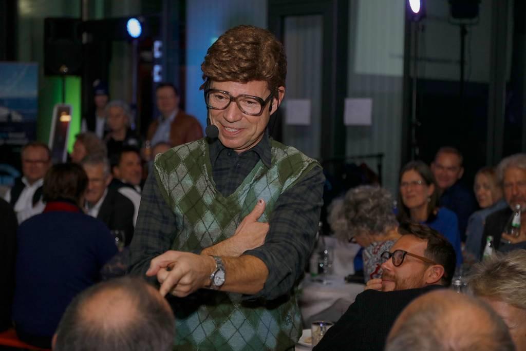 Peter Gedöns alias Michael Wirtbitzky sorgte beim 1. Baden-Badener Hochseeabend für beste Stimmung (Foto: Sonja Bell)